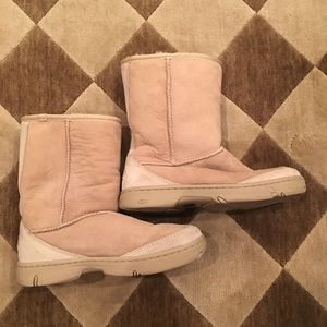 UGG Shoes - 🔥NEW MARKDOWN🔥Authentic UGG BOOT. sand